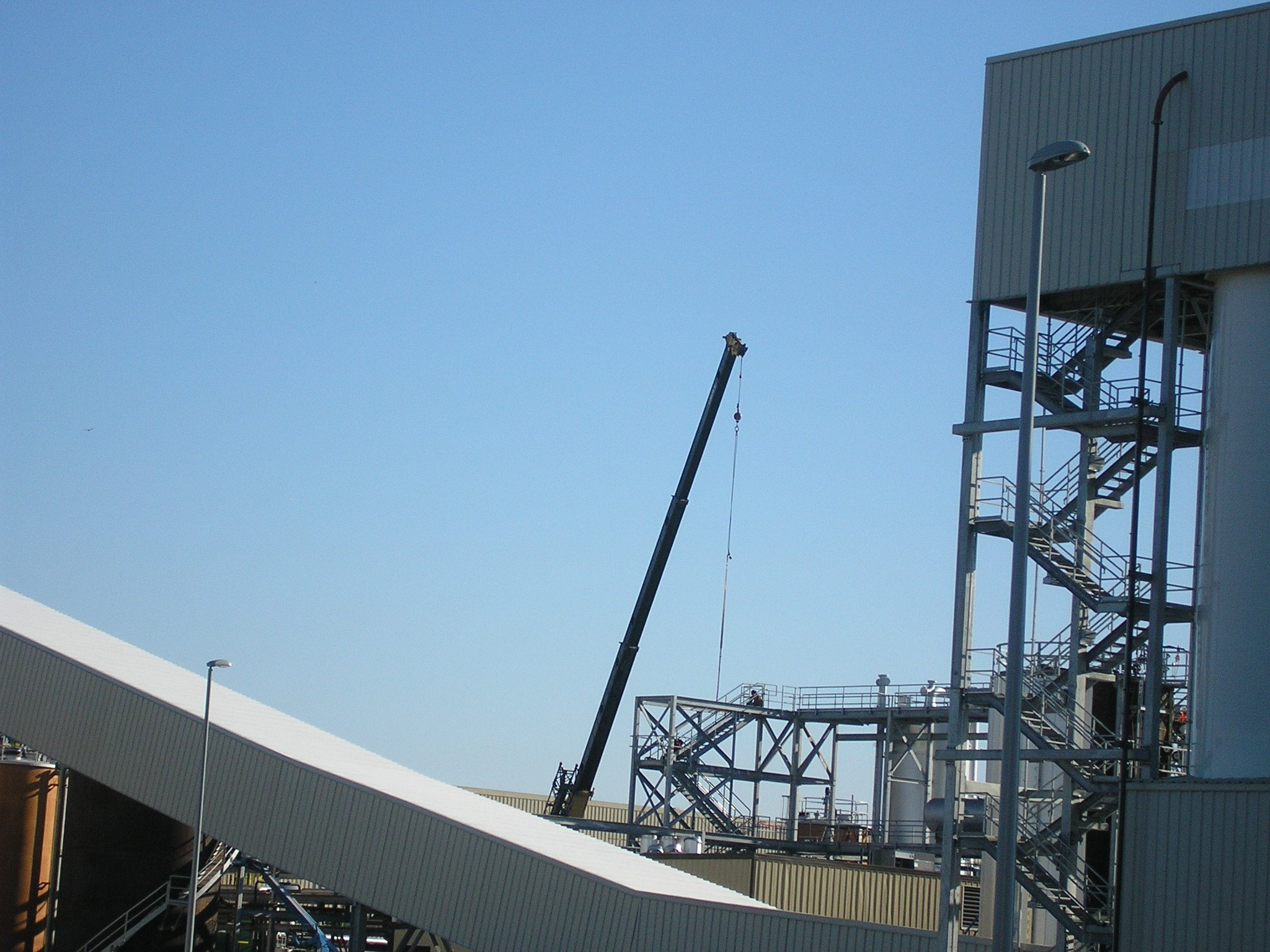 Structure for Large Bulk Material Handling and Storage: Case Study
